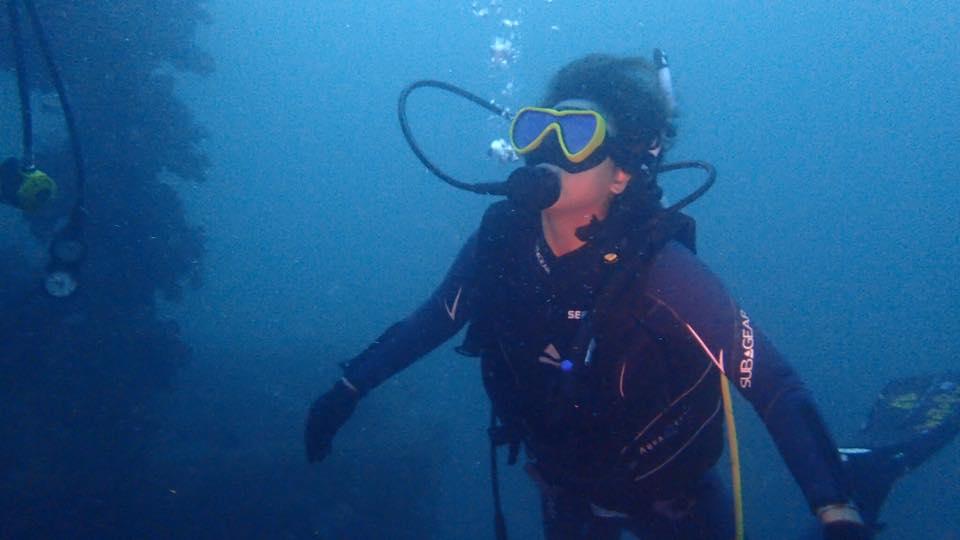 漁礁はキビナゴで真っ暗!!!