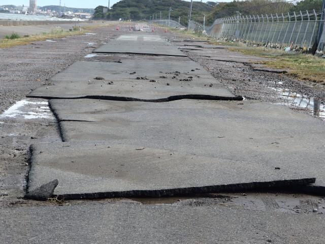台風21号の被害が甚大で沖ノ島周辺の復旧に時間がかかりそうです。 2017/10/23