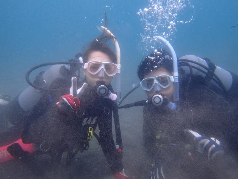 千葉県館山市の沖ノ島ビーチで東京からお越しの男女2名の体験ダイビング 2018/05/23