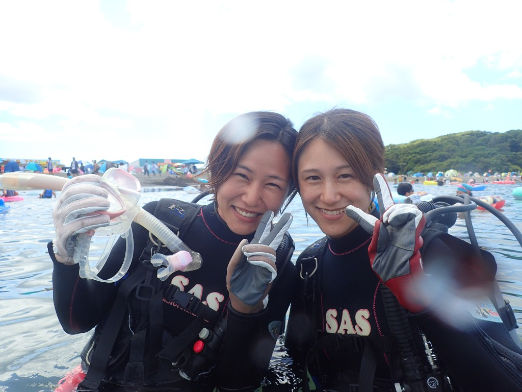 千葉県館山市の沖ノ島ビーチで茨城県からお越しの家族4名の体験ダイビングを行いました。