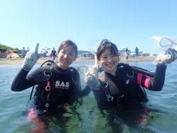 千葉県館山市の沖ノ島ビーチで千葉県からお越しの女性2名の体験ダイビングを行いました。 千葉県館山市の沖ノ島ダイビングサービスマリンスノー